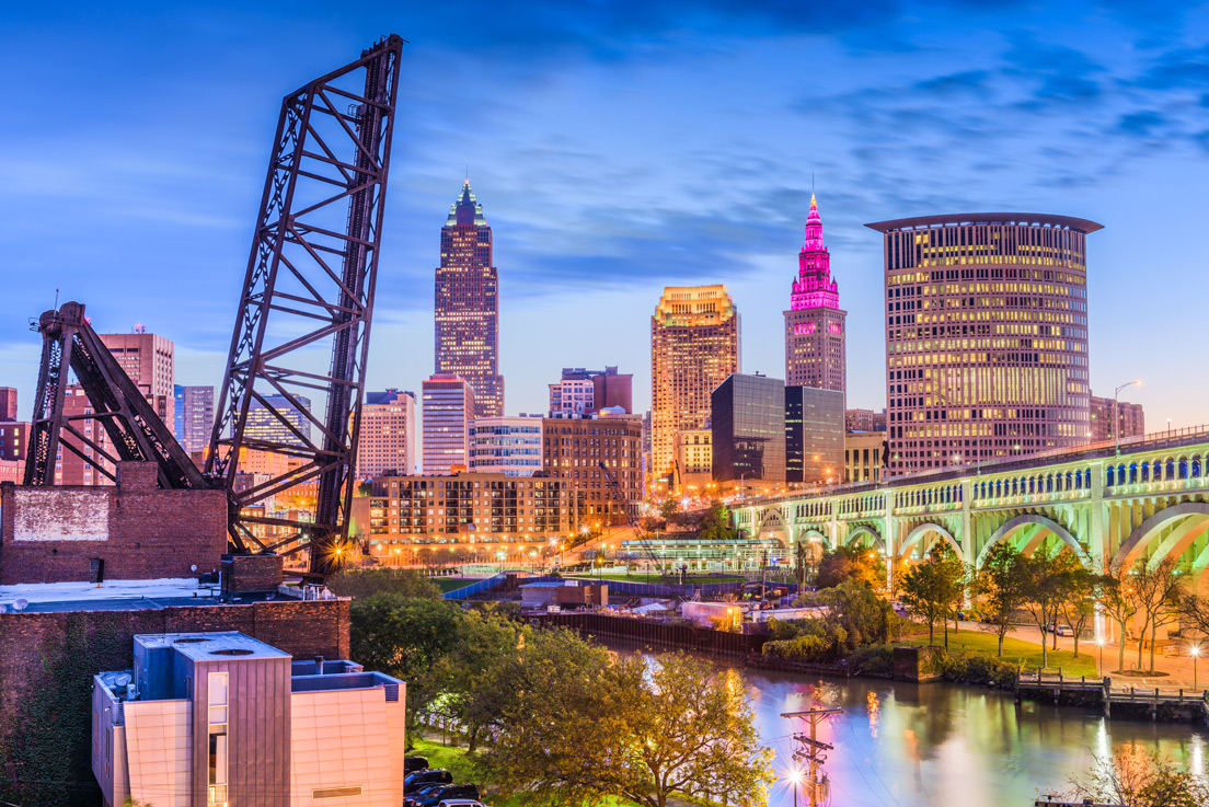 Cleveland-Ohio-USA-downtown-skyline-on-the-river