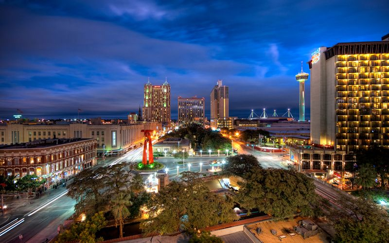 San Antonio-night-time-800