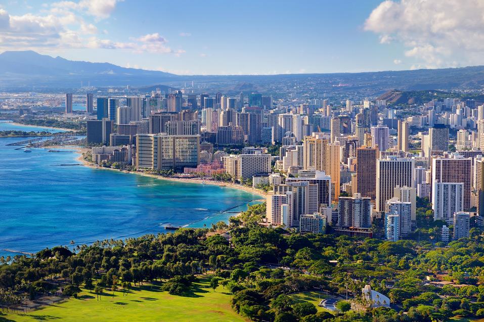 Spectacular-view-of-Honolulu-city-Oahu-Hawaii