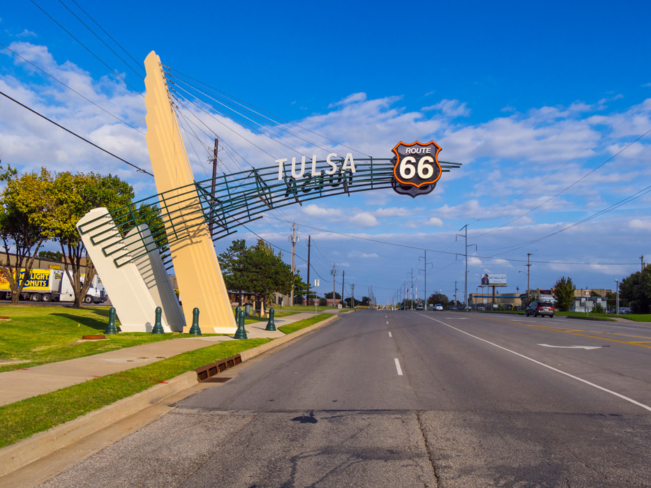 Tulsa-Historic-Route-66-street-view-in-Tulsa-Oklahoma