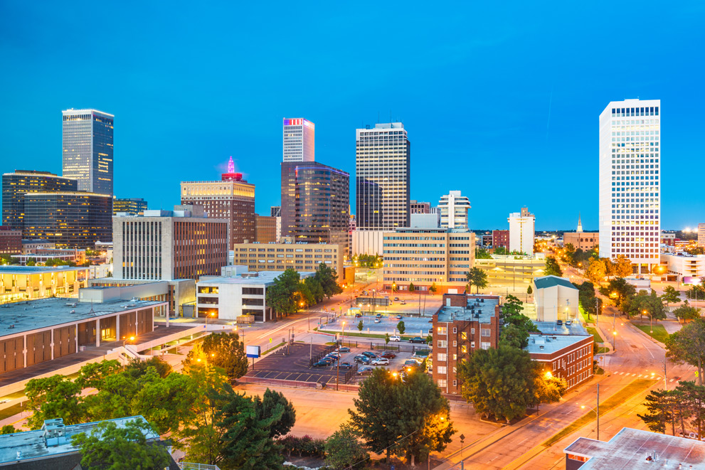 Tulsa-Oklahoma-USA-downtown-city-skyline-at-twilight