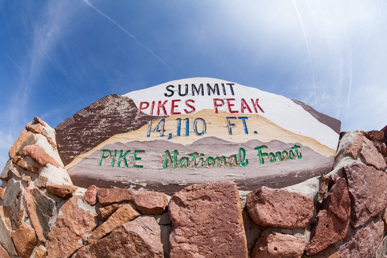 pikes-peak-summit
